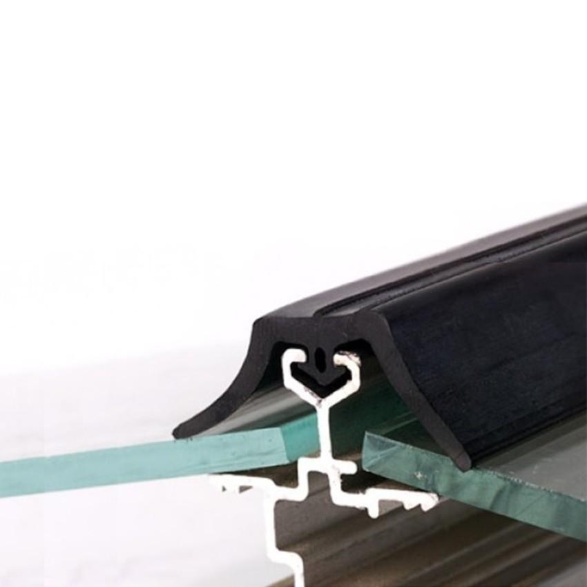 Gummilippendichtung zweiflügelig (Musterstück 10 cm)
